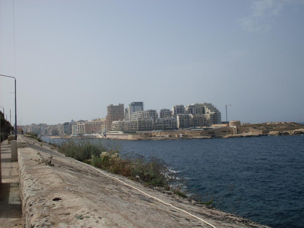 Береговые укрепления - достопримечательность не только Свики,но и всей Мальты